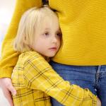 O transtorno de ansiedade de separação acomete muitas crianças na primeira infância