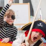 Crianças usando a imaginação